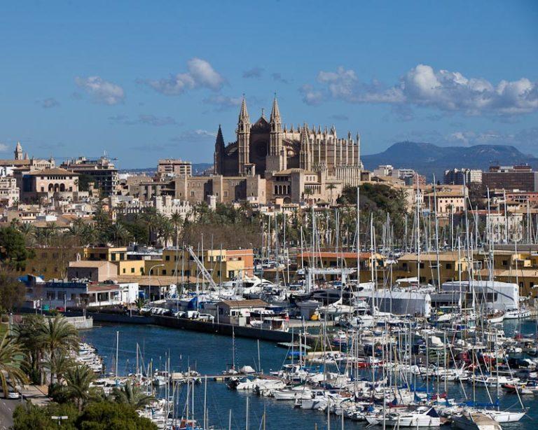 Der westliche Teil Palmas bietet traumhafte Ausblicke auf die Altstadt und die Kathedrale. Aufgrund der hohen Nachfrage eröffnet Porta Mallorquina dort einen zweiten Immobilienshop.