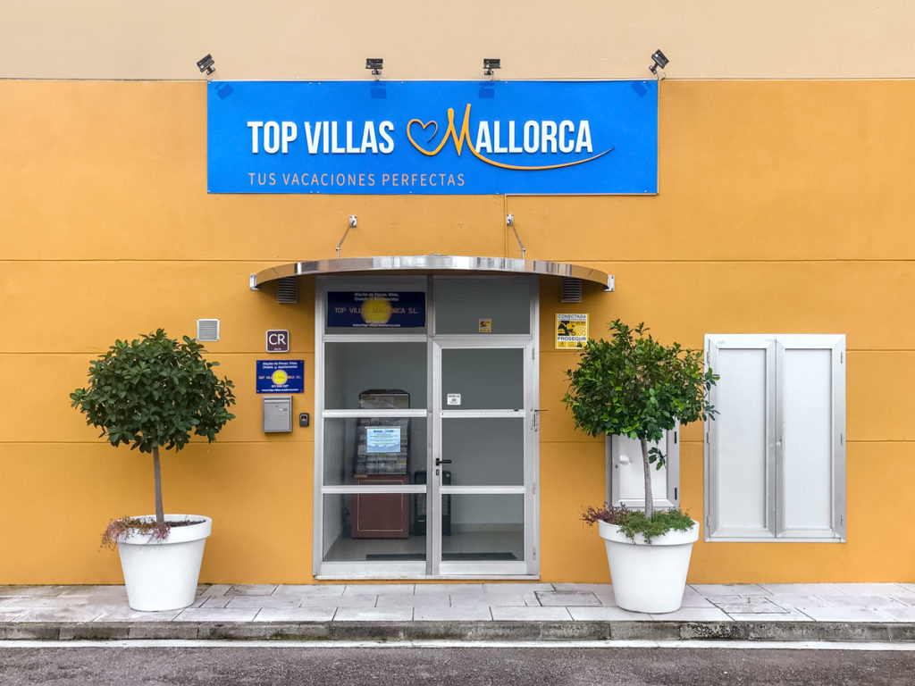 TopVillaExterior-1024x768 Neue Top Adresse für den Mallorca-Urlaub 2019: Porta Holiday hat nun rund 1.000 Fincas und Ferienhäuser