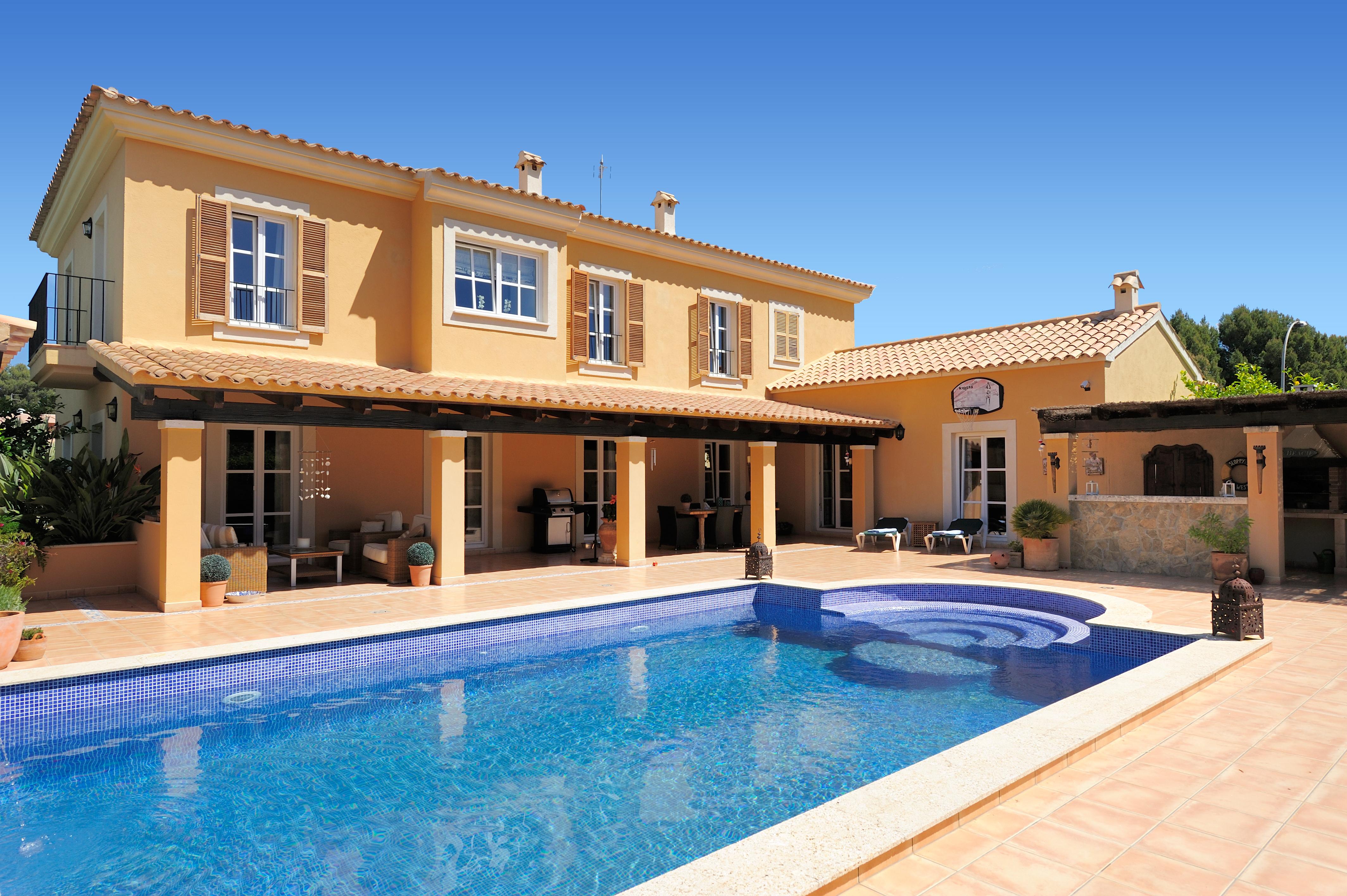 2014 verzeichnete der spanische Ferienimmobilien erstmals wieder ein leichtes Plus. Zu verdanken ist der leichte Aufschwung vor allem den boomenden Ferienimmobilienmärkten.